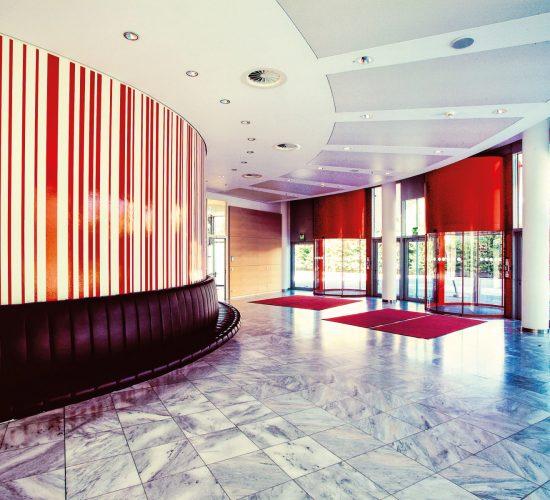 Messe Wien Exhibition & Congress Center   Foyer Congress Center
