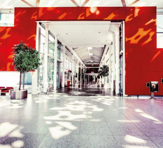 Messe Wien Exhibition & Congress Center   Foyer A - Übergang Mall